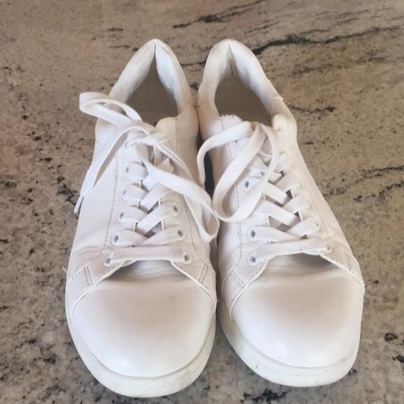 6c2cacb24b0c1 Sam Edelman white sneakers. M 5a9b12b785e605c5bde2029c